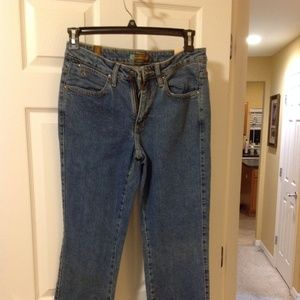 Size 8 Aura Jeans by Wrangler